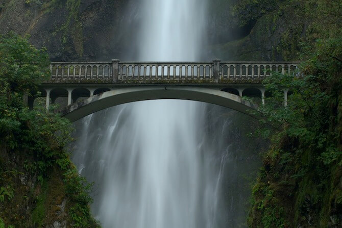 Portland - The bridge at Multnomah Falls, Near Portland, Oregon, USA