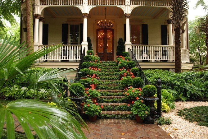 Savannah, Georgia, USA - historic colonial home with flowers