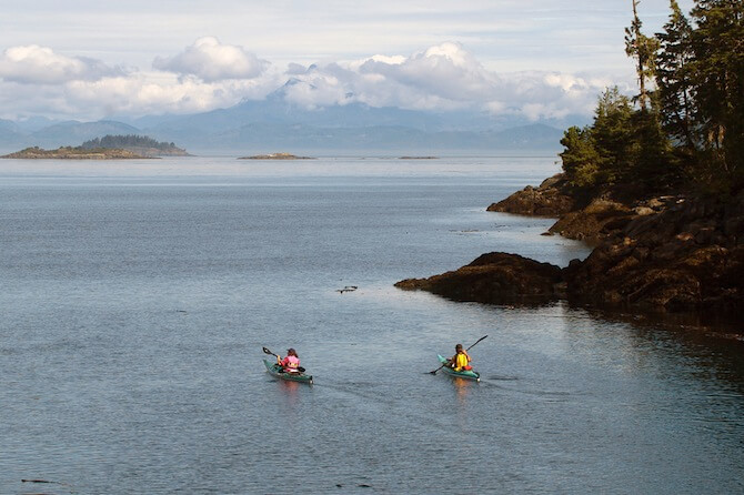 Vancouver Island, British Columbia - Kayaks around island